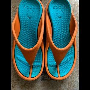 Crocs lightweight thong sandals size 4 flip flops
